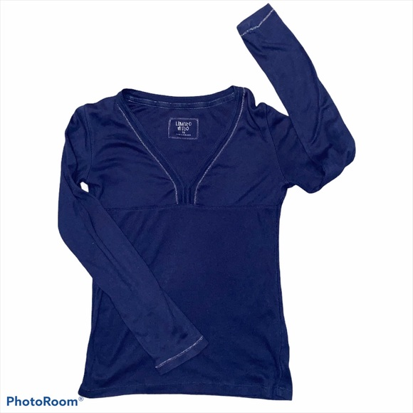 LIMITED TOO long sleeved navy top girls size 16.